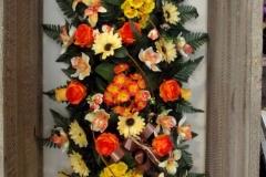 Grand dessus de cercueil. Fleurs jaunes et oranges