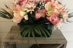Jardinière fleurs roses